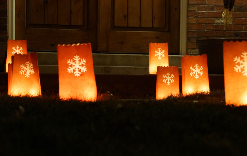 closeup of the luminarias